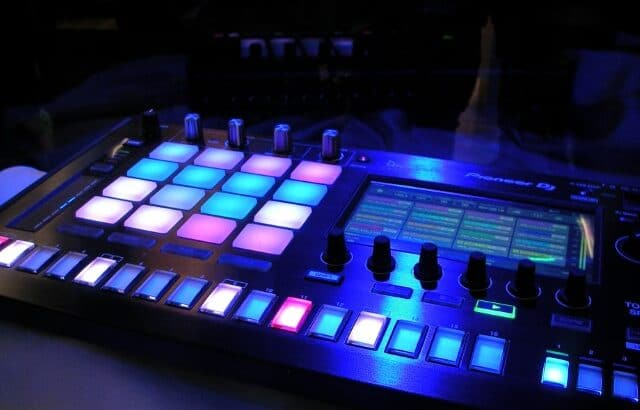 DJ Drum Machine Loop Machine